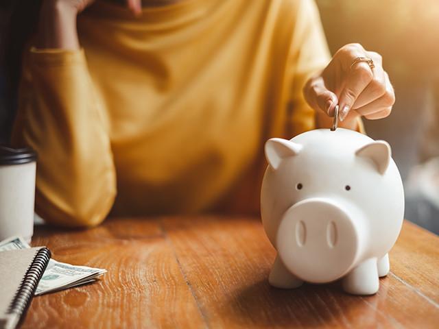 【贅沢をしていないのに何故!?】お金が貯まらない人がやりがちな4つの習慣