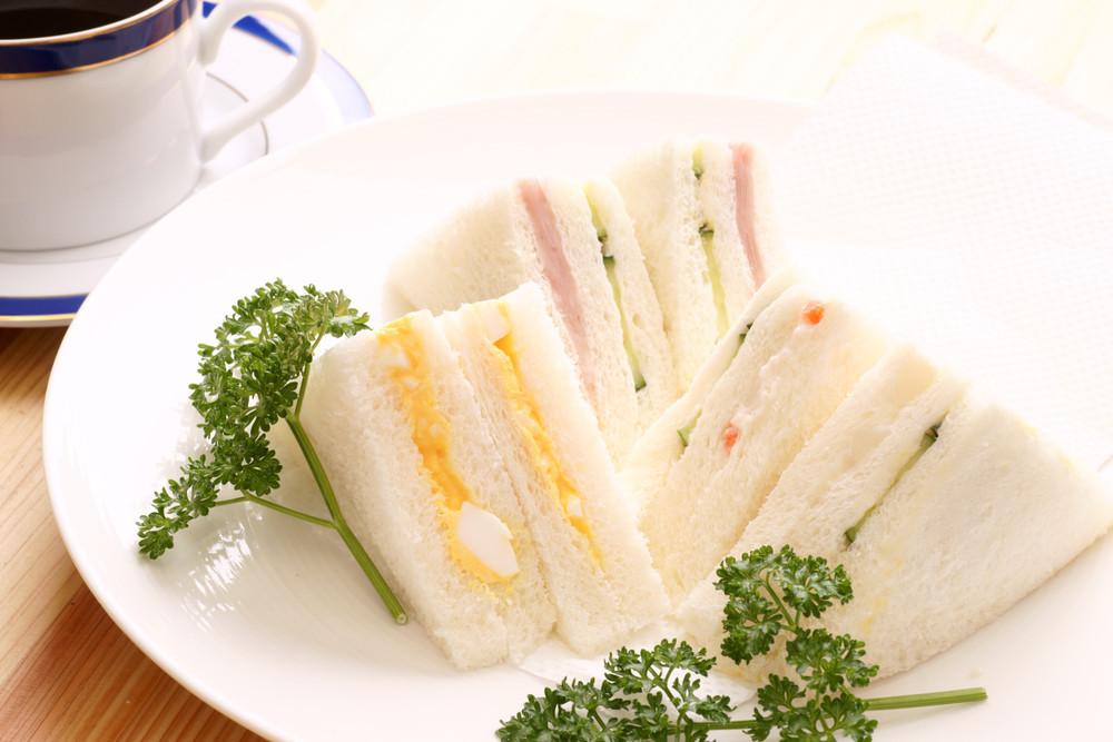 【具がこぼれない】子どもでも食べやすい「サンドイッチ」の切り方!