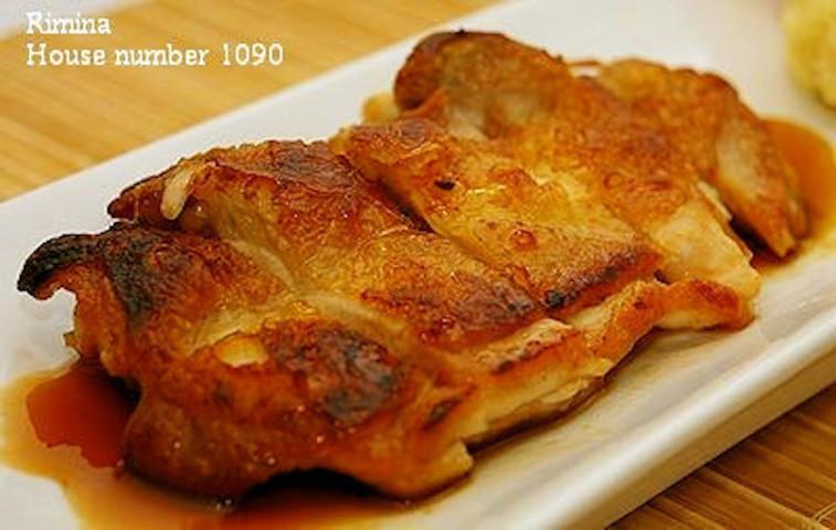 皮をパリパリに焼くコツつき!甘辛味が美味「照り焼きチキン」の簡単献立