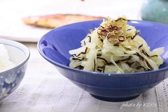 もう一品に便利!レンジで作る「玉ねぎ塩昆布」味バリエ5選