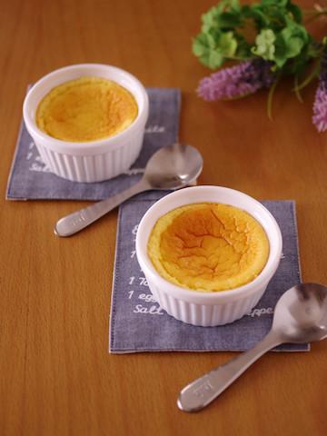材料3つで作れる♪粉類不使用でなめらか食感の「スフレチーズケーキ」