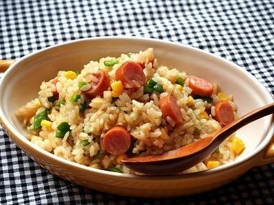 【余ったご飯で簡単】「レンチンピラフ」がお弁当にもランチにも使える!