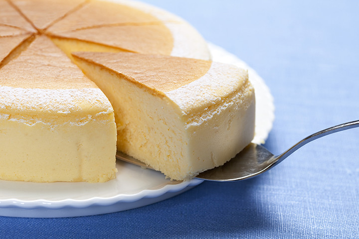 【特別な道具は不要】◯◯するだけで「ケーキ」をキレイに切れるワザ