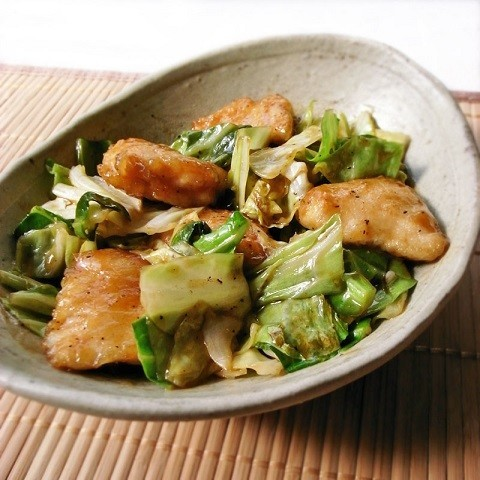 やわらかお肉がタレと絡む♪「鶏むね×キャベツ炒め」味バリエ5選