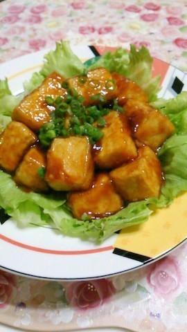 今日はとことんヘルシーに♪肉なしでも満足「豆腐の甘辛焼き」献立
