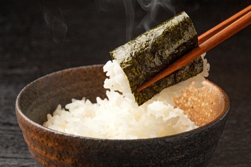 芸人・出川哲朗さんのご実家!「蔦金商店」に聞いた、おいしい海苔の食べ方