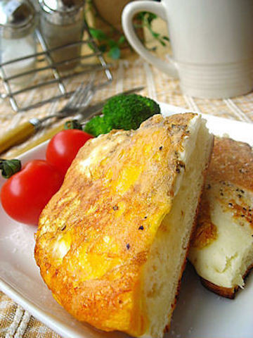 ありそうでなかった!ホットケーキミックス×卵の「エッグホットケーキ」で簡単おいしい朝食