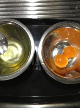 簡単に出来る!「卵」を黄身と白身に分ける3つの方法