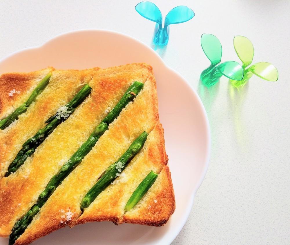 アレンジいろいろ♪みんなの「トースト」アイデアレシピ5選
