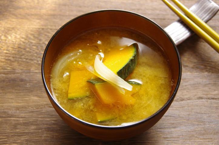 【熱中症や夏バテに】管理栄養士おすすめの「お味噌汁」レシピ