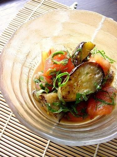 冷やしてサッパリ!「なすとトマト」のマリネ味バリエ5選