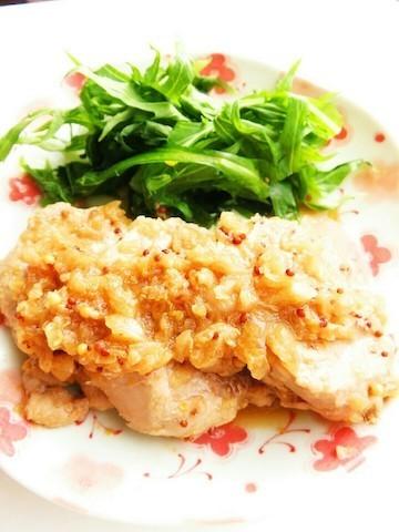 減塩でも味決まる!玉ねぎの甘さがおいしい「豚ヒレステーキ」とカラフルサラダ献立