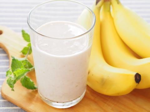 朝食に飲んで元気をチャージ☆「バナナジュース」味バリエ