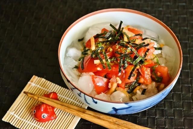 食欲が湧かないときも◎サラサラおいしい「冷やし茶漬け」が夏バテの強い味方