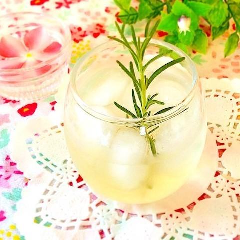 レモン汁でも簡単に作れる!夏は「手作りレモネード」でさっぱり