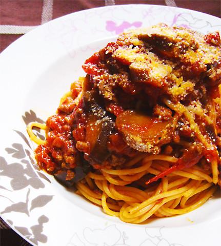 コクと酸味のバランスが◎「トマト缶×合挽き肉」のレシピ集めました!