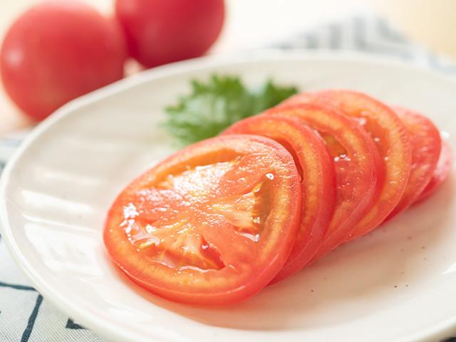 【試す価値あり】冷やしトマトは「酢味噌」で食べると超おいしい!