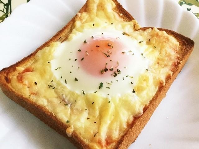朝からとろ〜り幸せ気分♪いろんな味で楽しむ「エッグトースト」5選