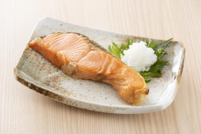 魚焼きグリル以外でも!「鮭」をおいしく食べる方法