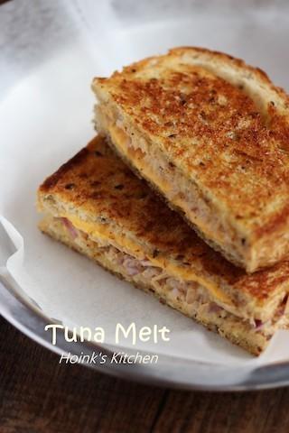 フライパンで簡単に!濃厚チーズが中からとろ〜り「グリルドチーズサンド」