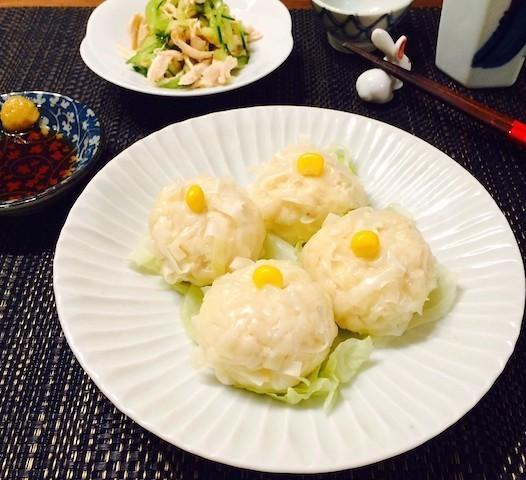 フライパンで作れる!ふわふわ美味「鶏肉と豆腐のさっぱりシューマイ」の簡単献立