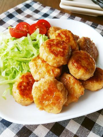 ふわふわ!ごはんが進むしっかり味「豆腐入り鶏つくねの照り焼き」の簡単献立