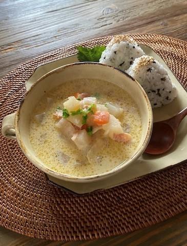 体の芯から温まる!優しい味わいの「豆乳×味噌」スープレシピ5選