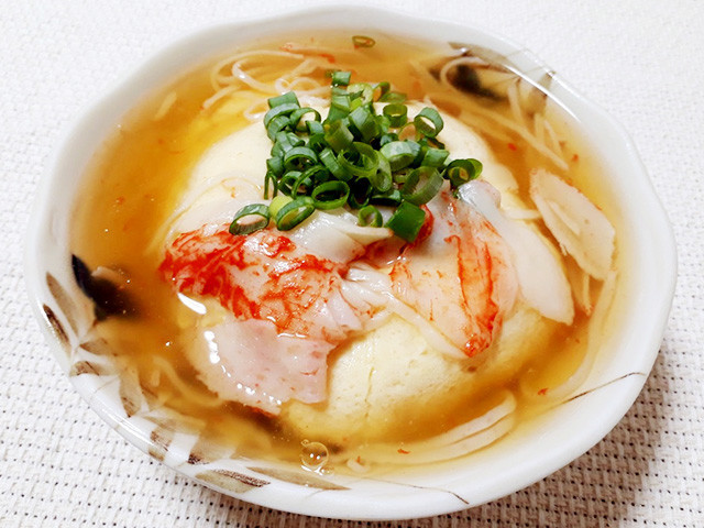 寒い夜にぴったり!レンジで作れる「あったか豆腐おかず」バリエ