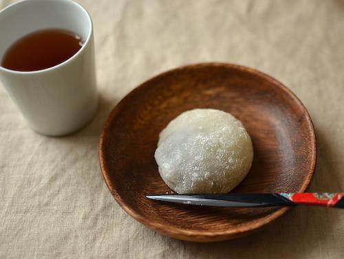 【材料3つ】レンジで簡単!余ったお餅で作れる「チョコ大福」