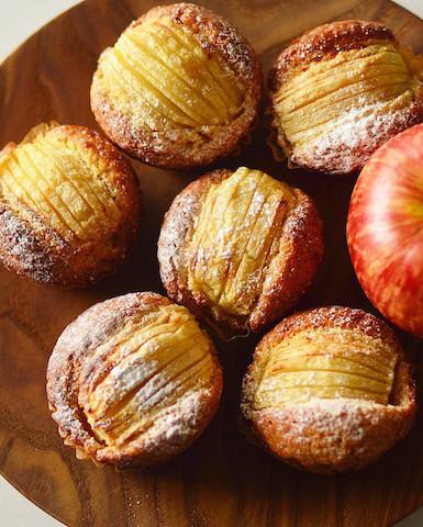 どの型にする!?焼きっぱなしの簡単&本格「りんごケーキ」5選