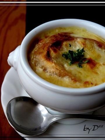 チーズとろ〜り!玉ねぎの甘み楽しむ「オニオングラタンスープ」献立
