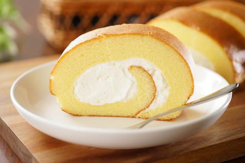 ロールケーキだってすぐ!レンジで作れる「ふわふわスイーツ」4選