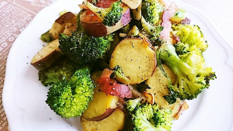 野菜がたっぷり食べられる!デリ風「冬のホットサラダ」味バリエ