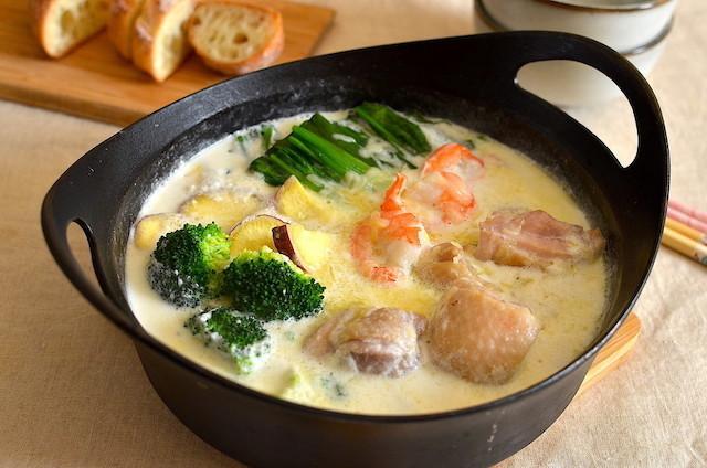 人気のレシピを鍋に!チーズとろ〜り「シュクメルリ鍋」