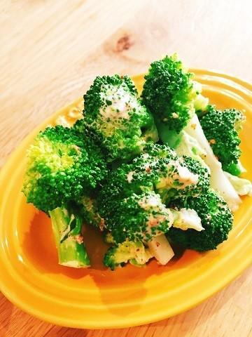 パパっと一品作れるのが嬉しい。「ブロッコリー」だけで作れる副菜