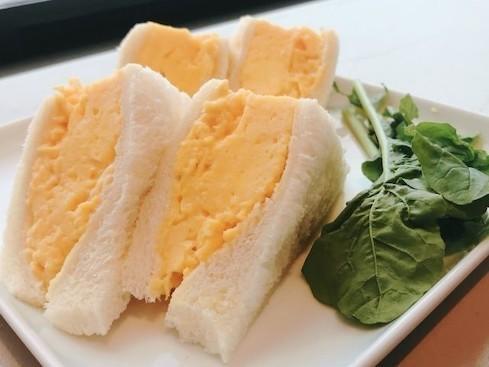 スクランブルエッグで喫茶店風「ふわふわ卵サンド」ができた!