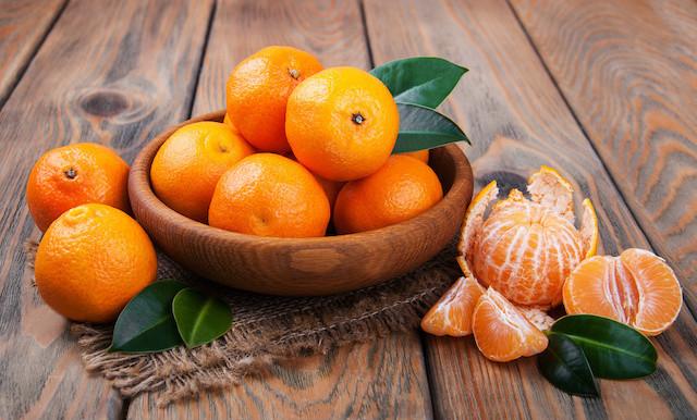 包丁いらず!「柑橘の皮」がスルっと剥ける便利グッズ