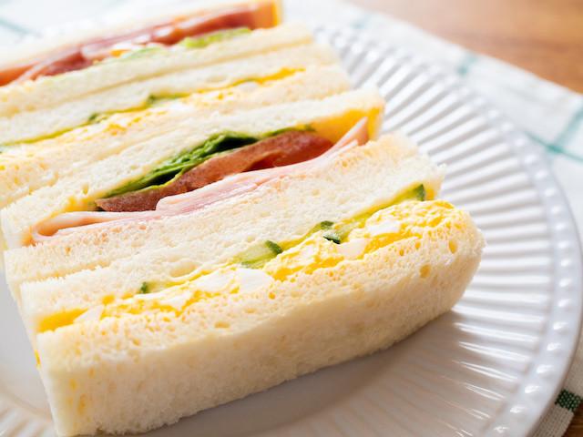 ストレスフリー!具がこぼれにくい「サンドイッチ」の作り方のコツ