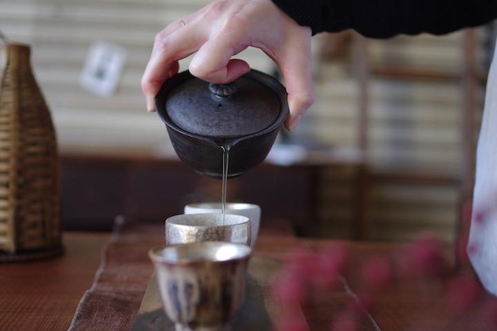 お湯の温度によって味が変わる!プロが教える「お茶」のおいしい淹れ方
