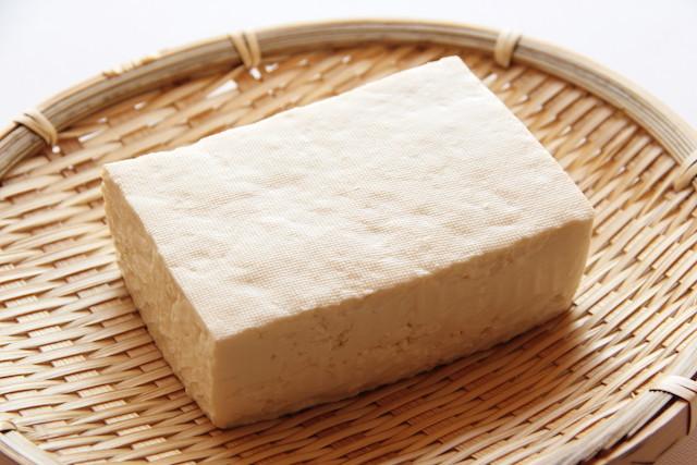 【裏ワザ】豆腐を◯◯と煮込めば、超ヘルシーな「とんこつラーメン」が作れる!