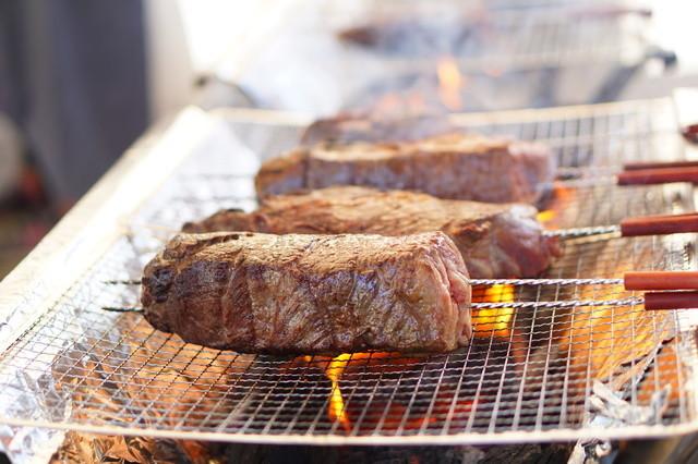 """BBQで喜ばれる!焼くだけ絶品""""漬け込み肉""""レシピ!"""