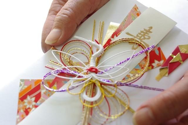 いくらが相場!?結婚式の「ご祝儀袋」に関するマナーを紹介!