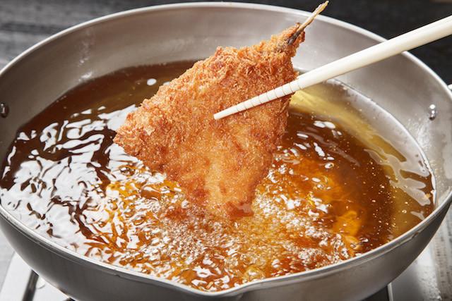 【裏ワザ】揚げ物がサクサクになる「バッター液」って!?