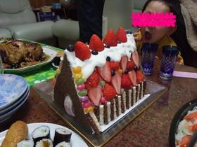 クリスマスケーキ★いちごの家★