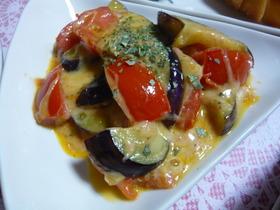 トマトと茄子のマヨチーズ炒め