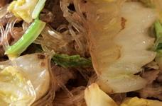 ウチの定番・白菜と牛小間の塩炒め煮。