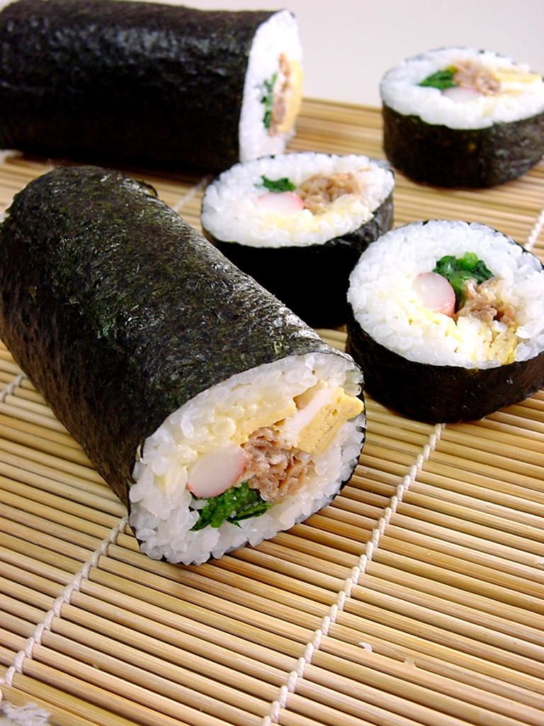 豚肉の照り焼き巻き寿司。