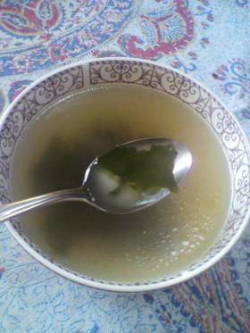 ダシダでわかめスープ