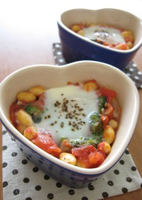 お豆とブロッコリーのトマトココット