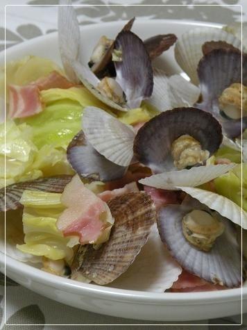 稚貝のキャベツバター酒蒸し